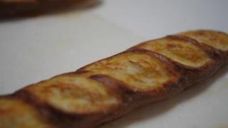 初めてのフランスパン着色です。