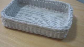 ワイヤーを編んでいました
