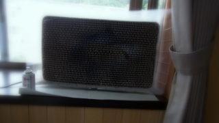 塗装ブースは出窓に設置。