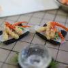 かにの天ぷらなど仕込み中。