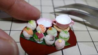 手毬寿司を並べてみました。